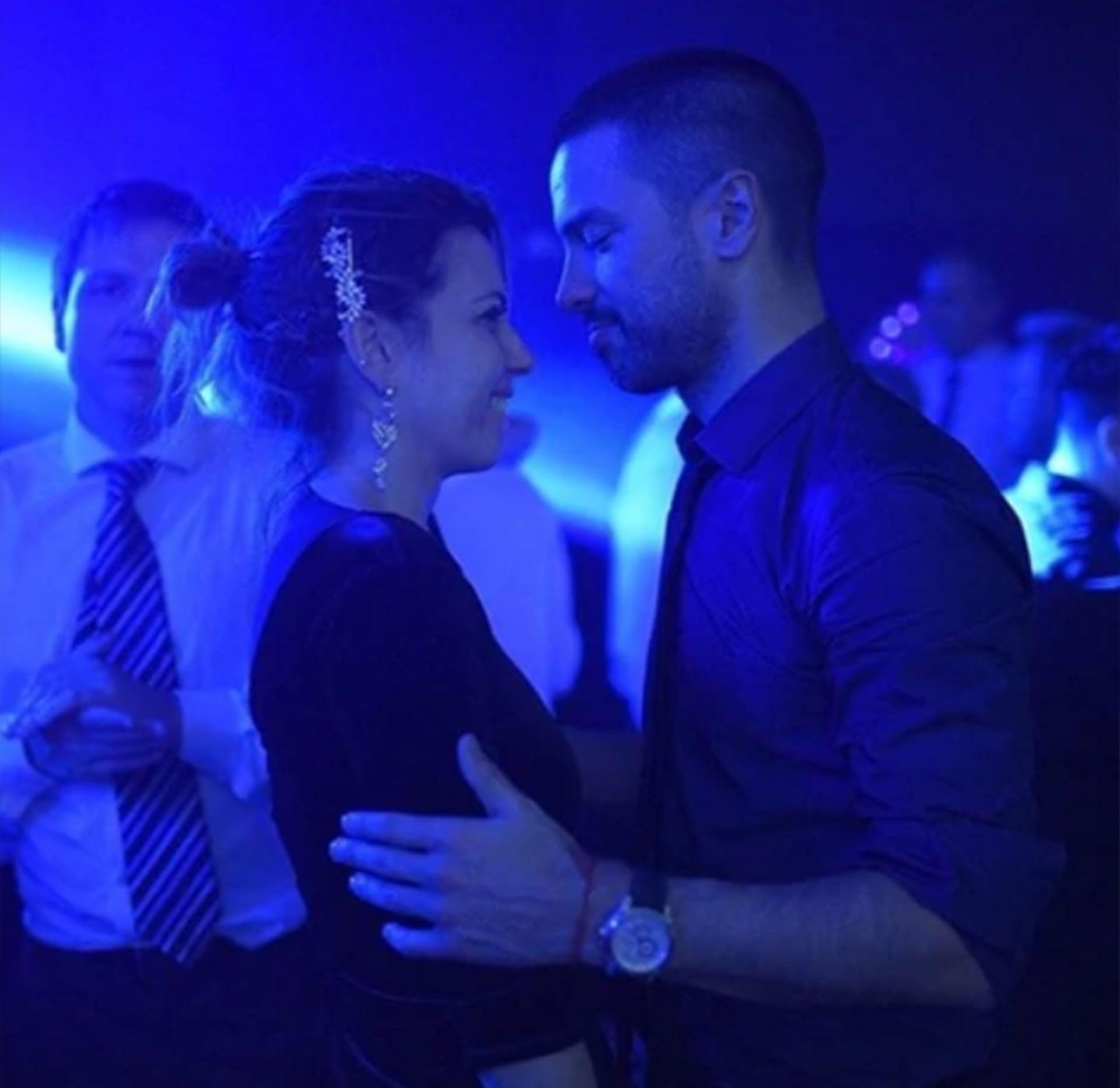 """Luego de su separación (estuvo casi 15 años junto a Karin Rodríguez), el Chino Leunis se reencontró con el amor. Y presentó oficialmente a su novia, Macarena. Porque para el conductor de """"Morfi"""", es tiempo de revancha. Amorosa, por supuesto (Instagram)"""