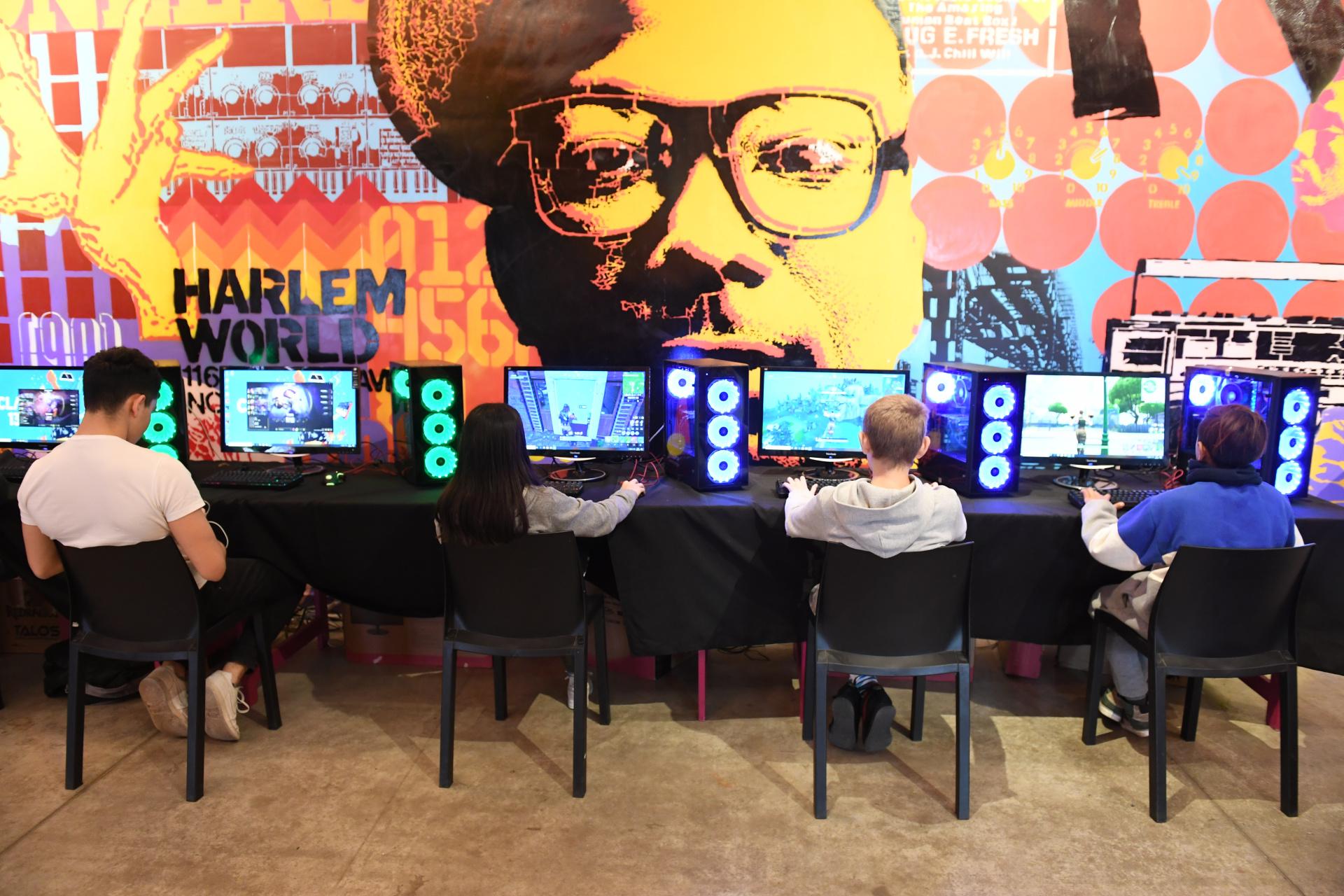 El sector gamer es donde hay mayor concentración y reina el silencio