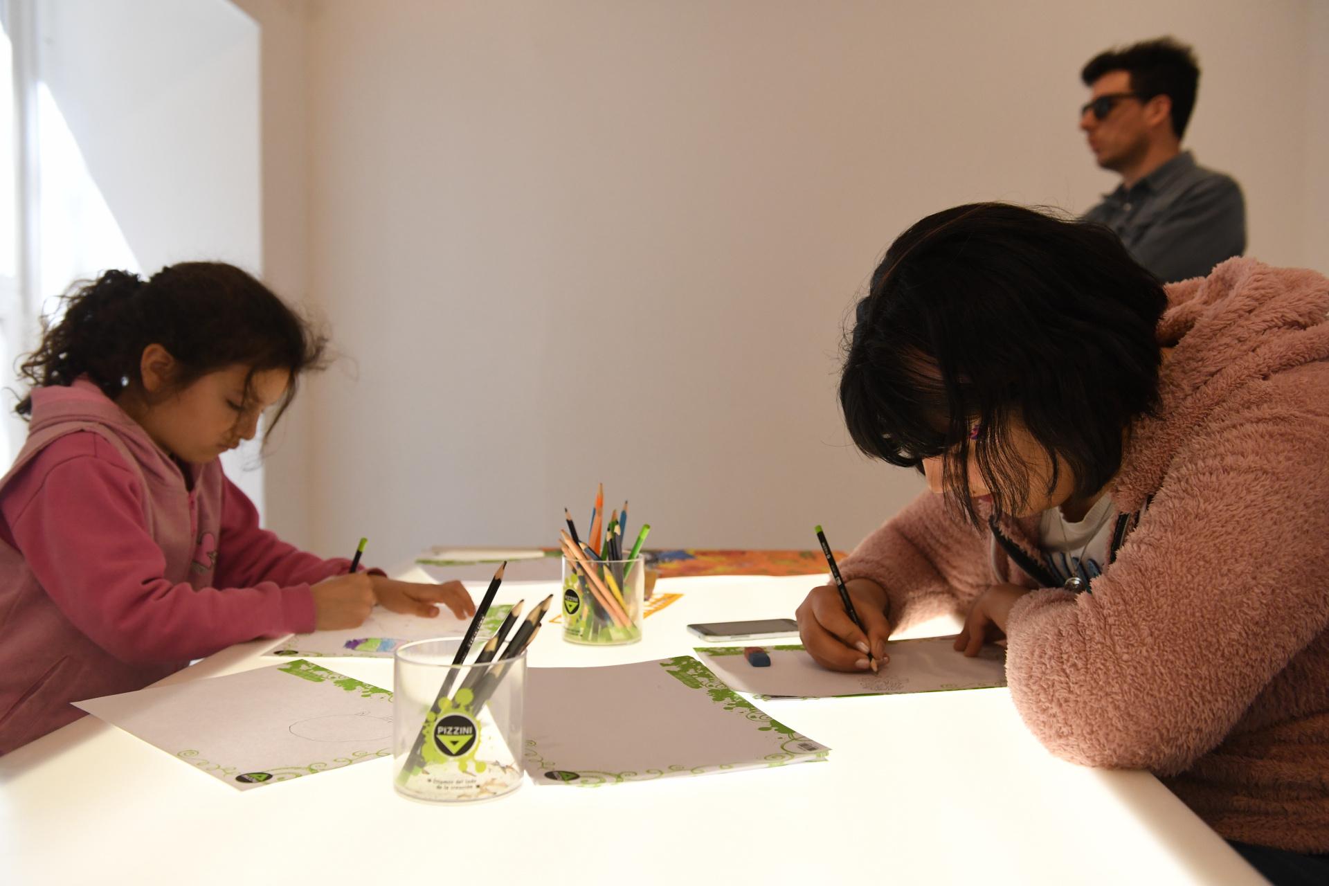 Para los más creativos también hay espacios de dibujo y pintura
