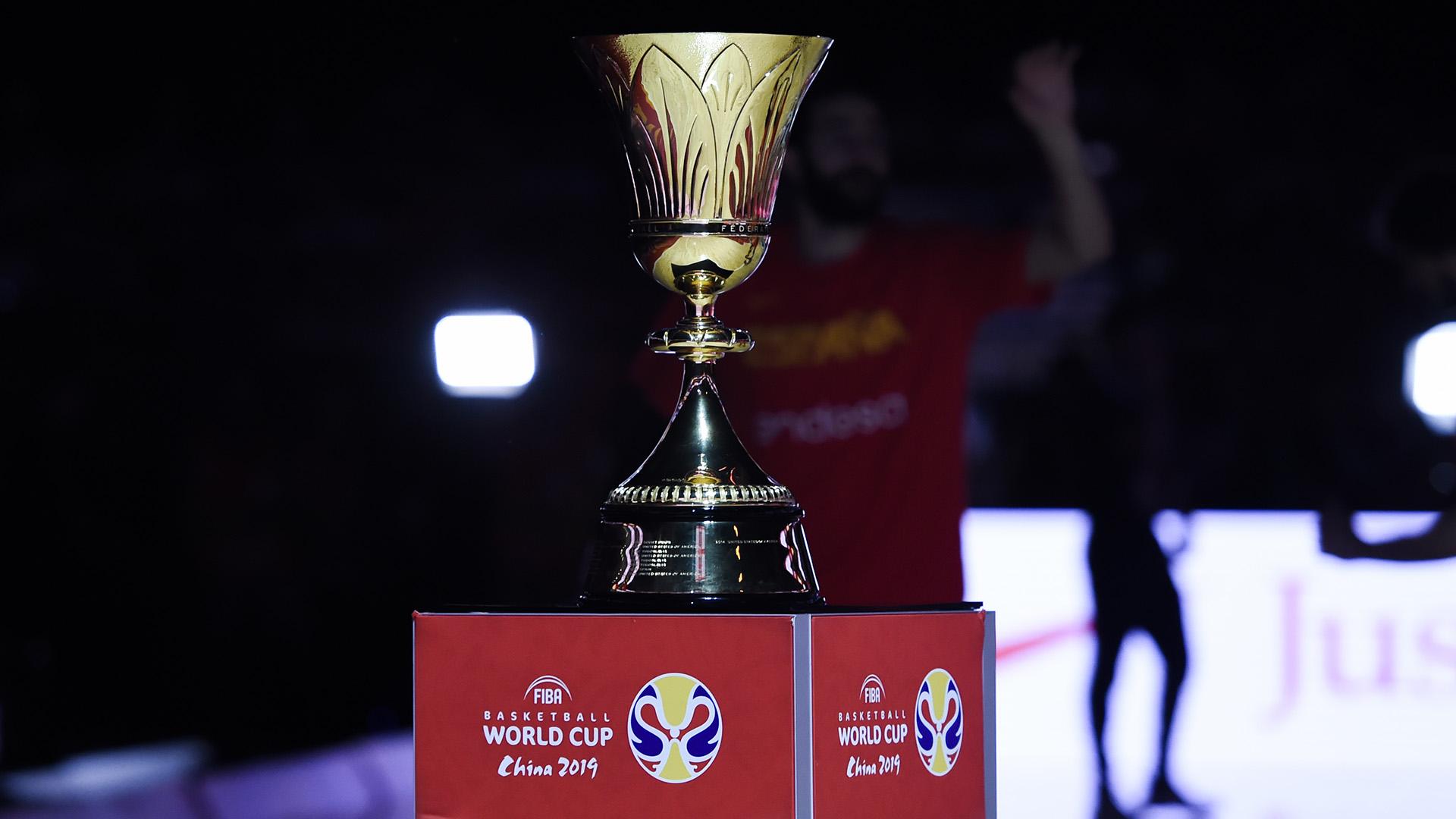 La copa que se llevó España. (AFP)