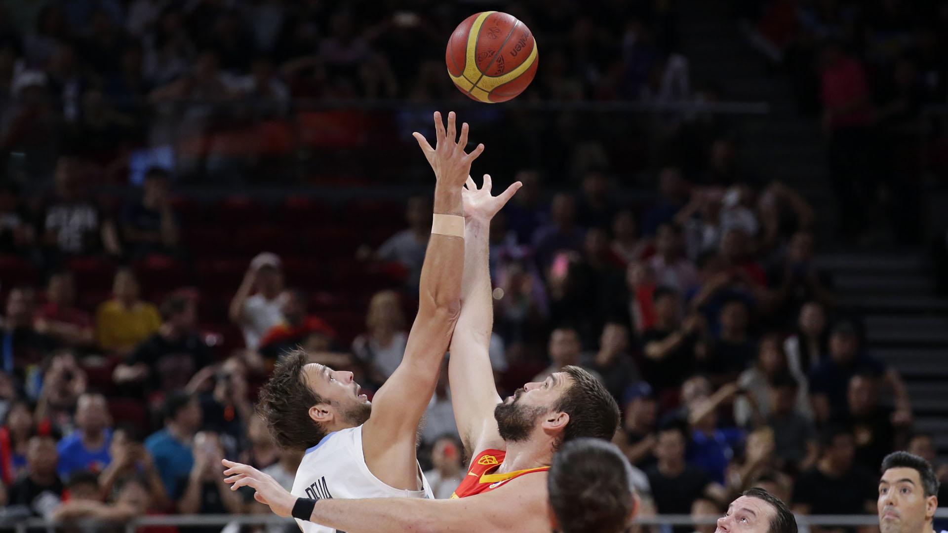 Comienzo del juego en la final del Mundial de básqueta 2019(AFP)