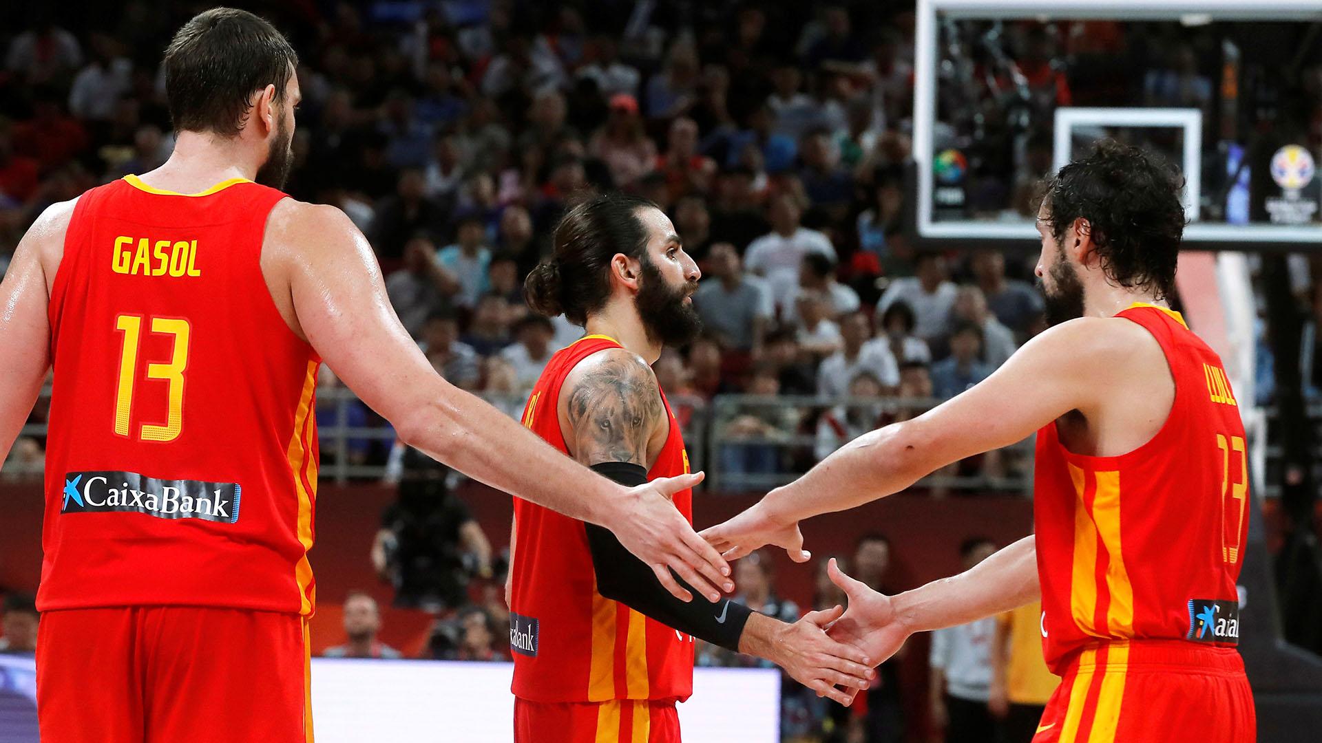 Gassoly su doblete. Fue campeón en la NBA con los Toronto Raptors y en China se coronó campeón del mundo con la selección española.(EFE)