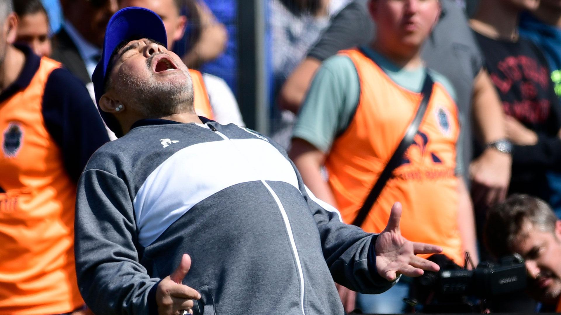 El lamento de Maradona ante una chance perdida
