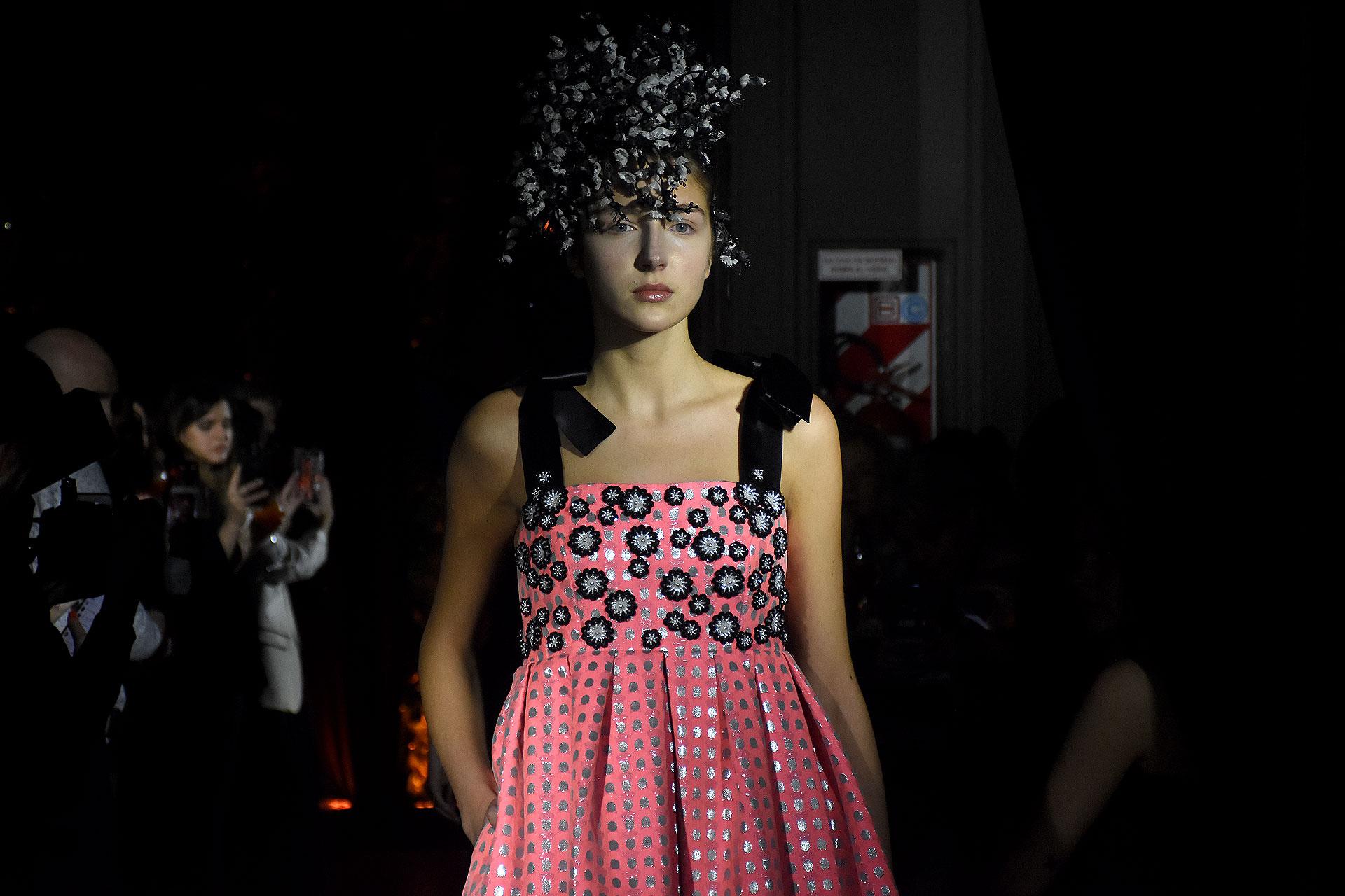Una propuesta con vestidos realizados artesanalmente con toques vintage