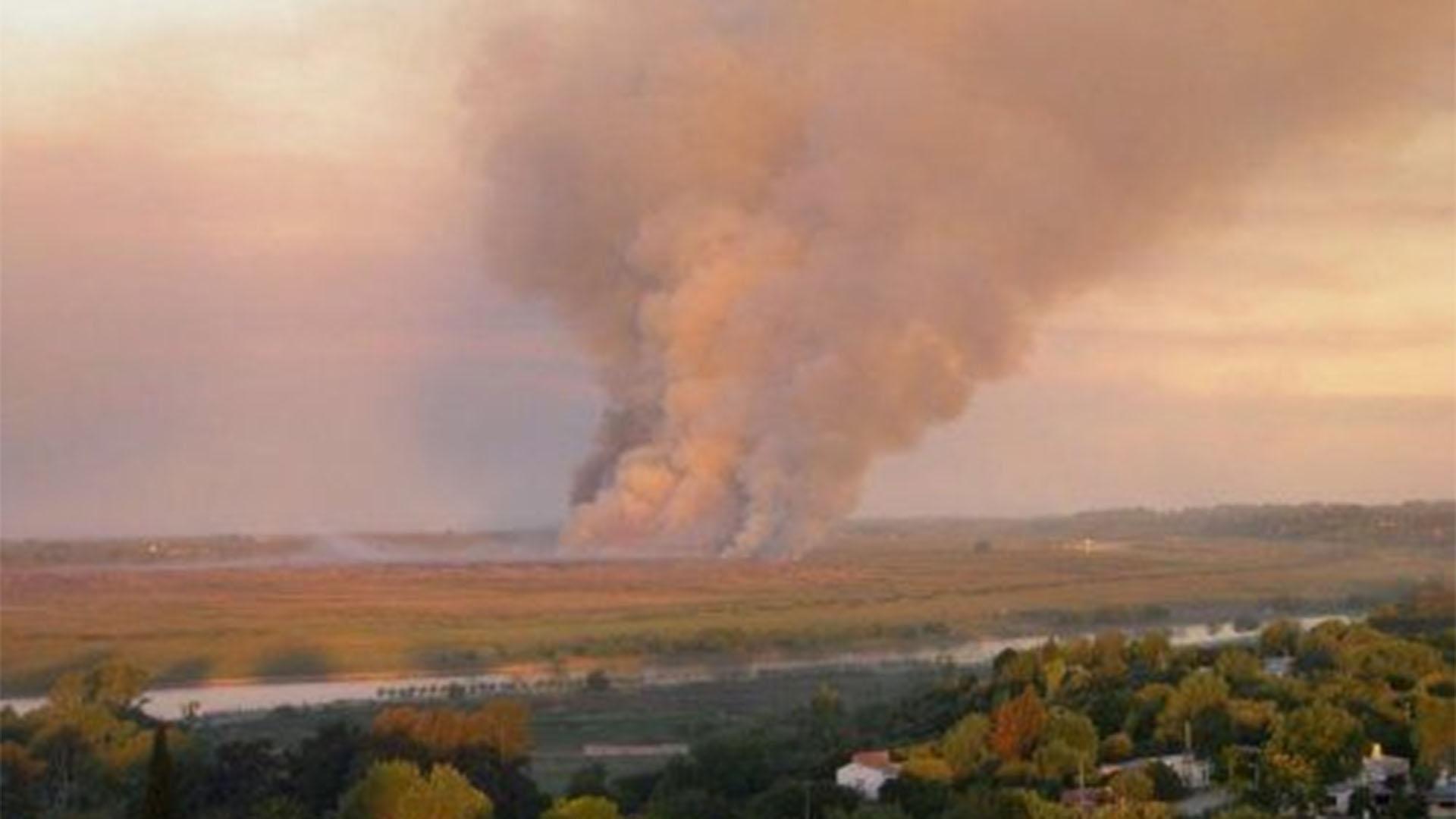 Una nube de humo invadió casi toda la Ciudad por un incendio ...