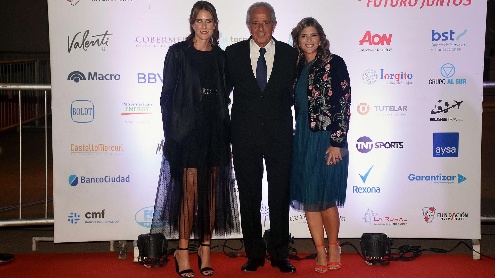 Clara D'Onofrio junto a Rodolfo D'Onofrio y Dolores Irigoin, directora ejecutiva de la Fundación River