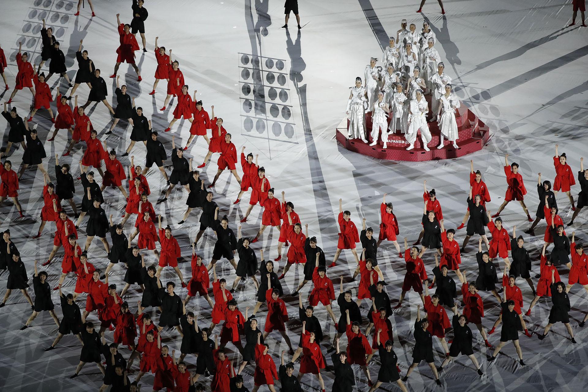 La ceremonia de apertura fue la antesala del primer partido del Mundial entre los locales y Rusia (REUTERS/Issei Kato)