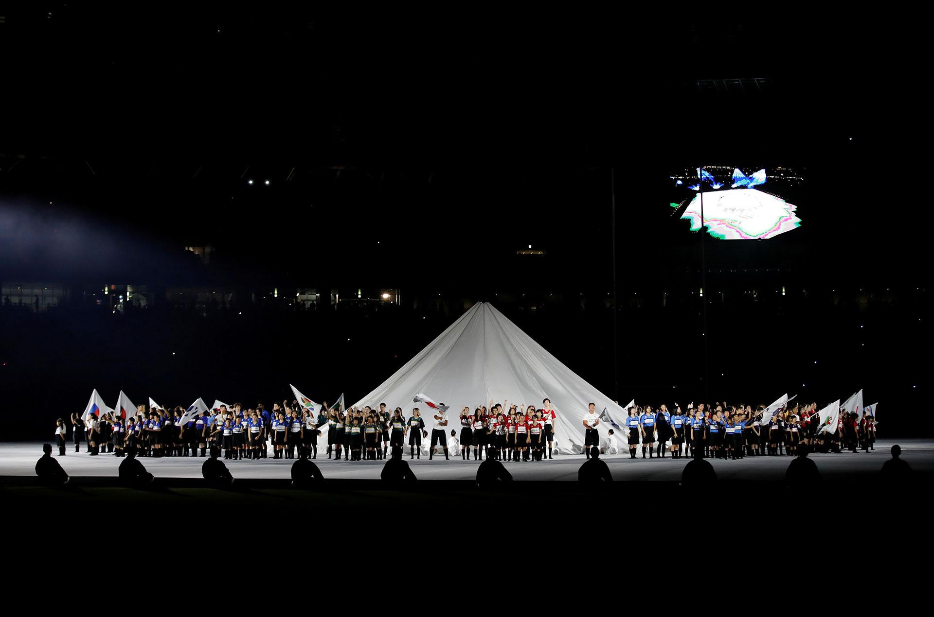 En el final de la ceremonia de apertura se presentaron a las 20 selecciones participantes (REUTERS/Matthew Childs)