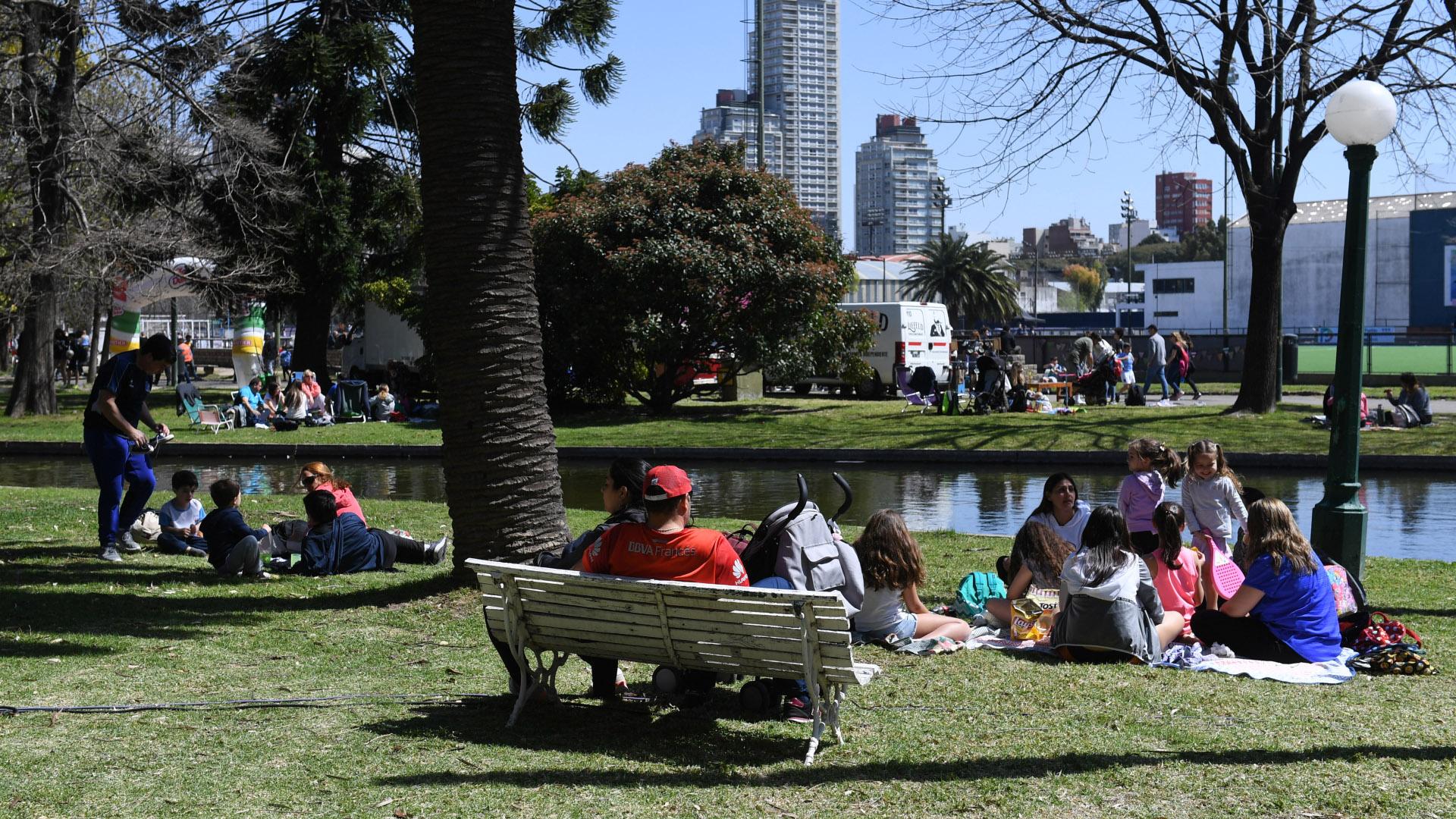 En el comienzo de la primavera, en un sábado a pleno sol, los porteños disfrutaron de un día en diferentes puntos de la ciudad de Buenos Aires