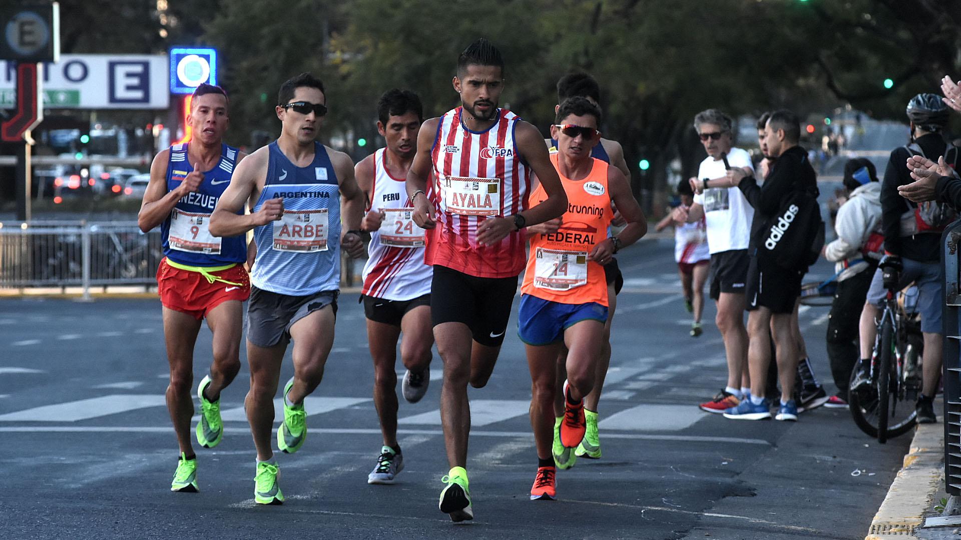 El paraguayo Derlis Ayala y el argentino Joaquín Arbe fueron los primeros sudamericanos en llegar