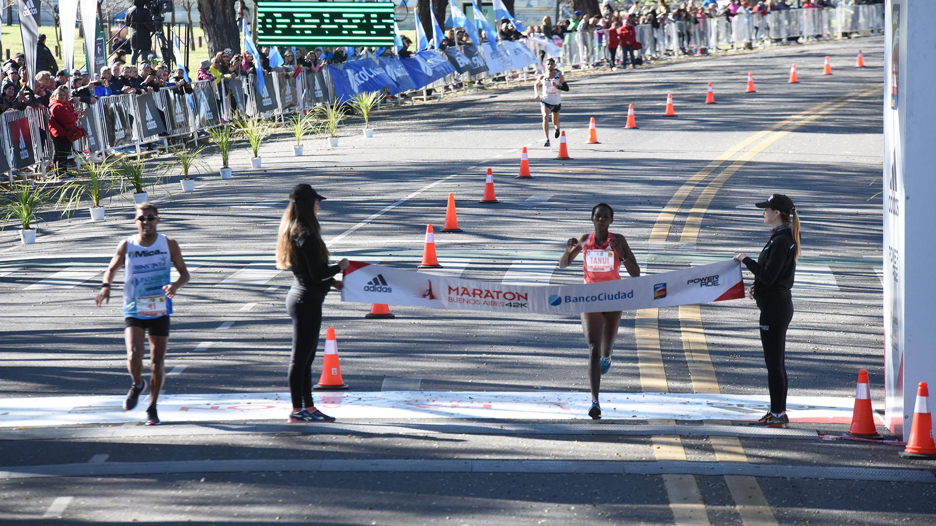 Así ganó la competición femenina la keniata Rodah Jepkorir Tanui