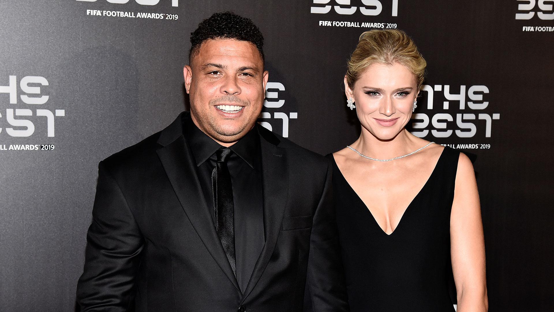 Ronaldo Nazario y su esposa