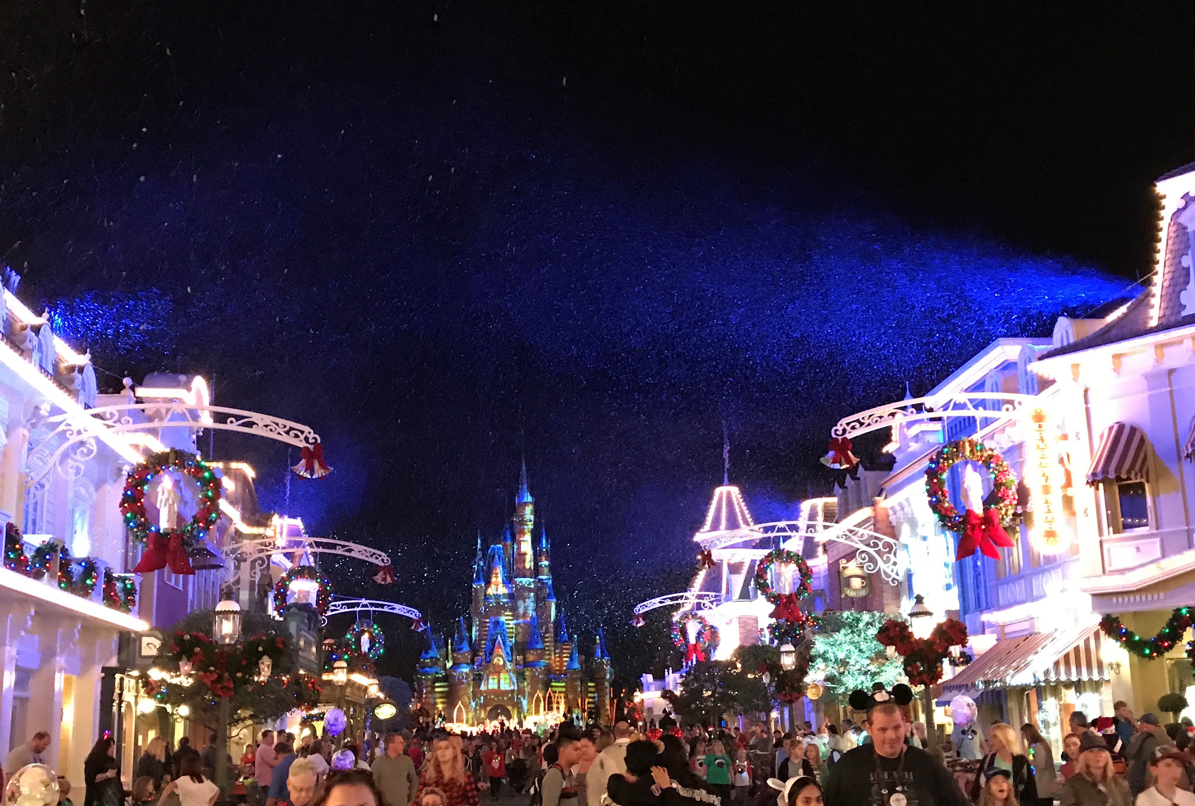 Disney Christmas Party.What To Expect Mickey S Very Merry Christmas Party Is An