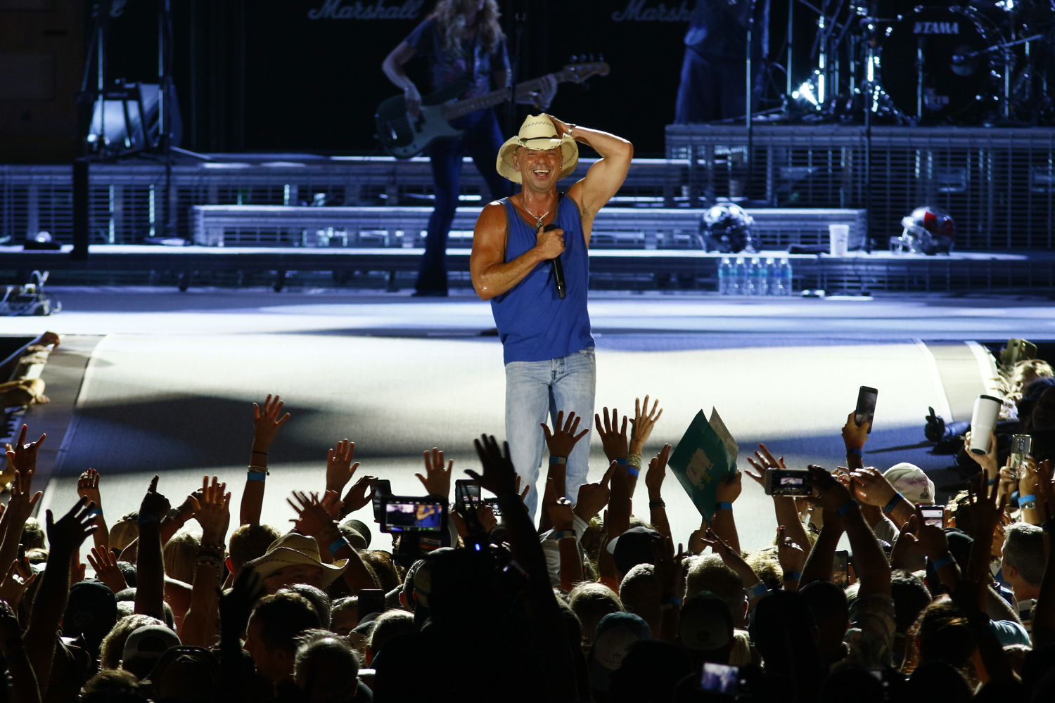 Review: Kenny Chesney goes big all night in Trip Around the