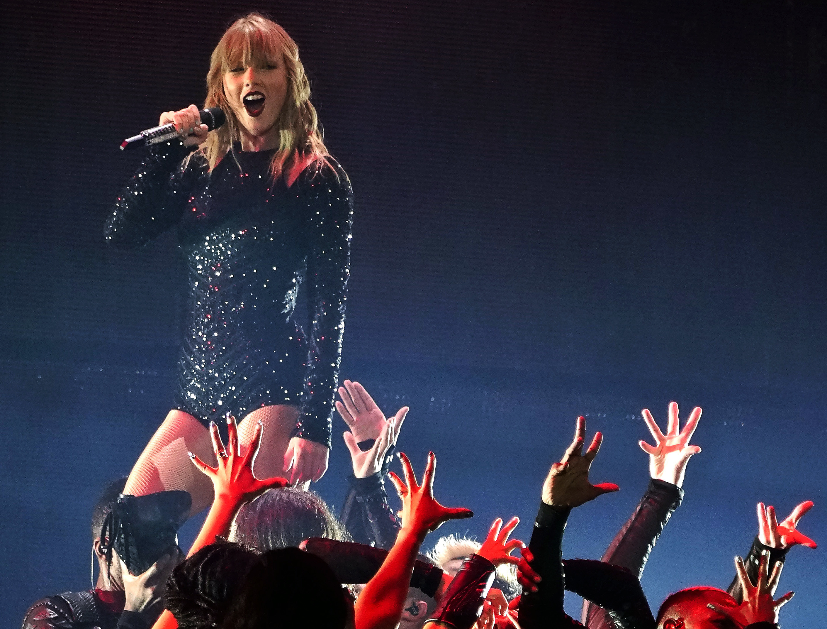 Taylor Swift S Tampa Concert Parking Weather Surprise Guests And Everything Else You Need To Know