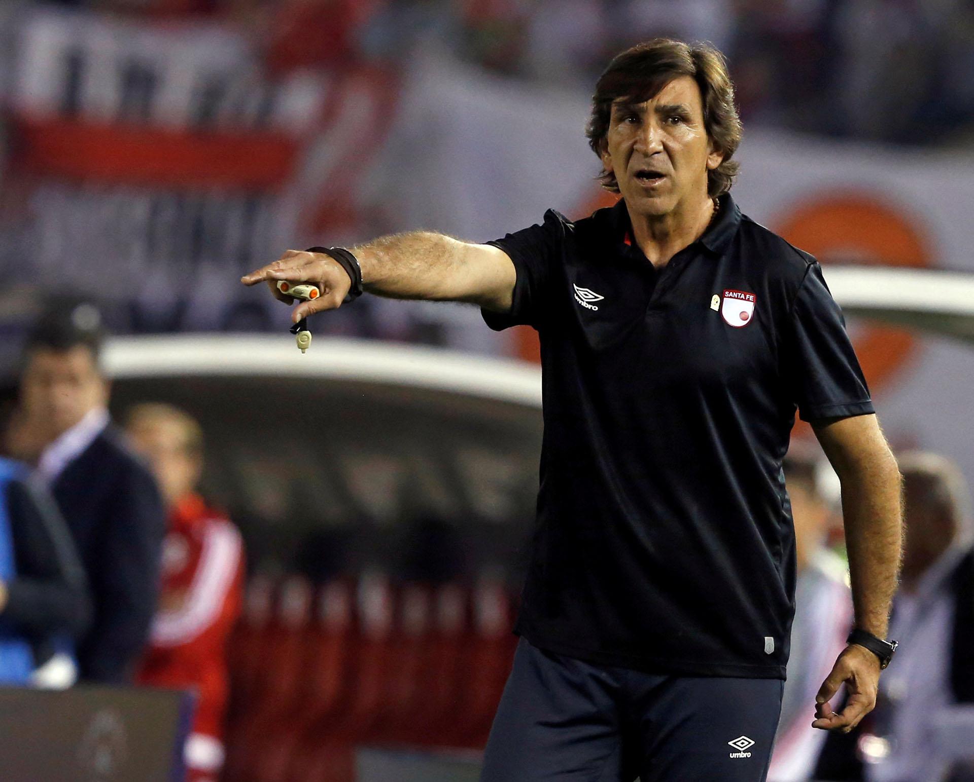 Gustavo Costas, el entrenador argentino de Independiente Santa Fe de Colombia (Reuters)