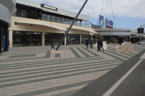 Image Upgrading of pedestria... (0)