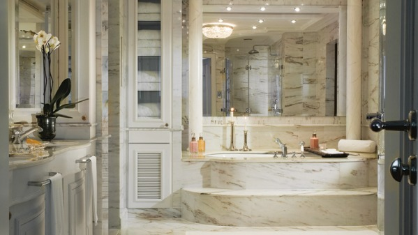 Image Ritz-Carlton Bathroom