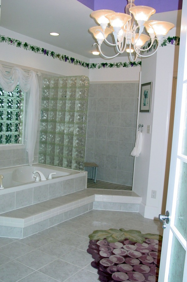 Image Master Bath Glass Bloc...