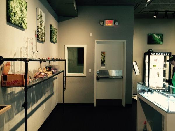 Image Marijuana Show Room Re... (2)