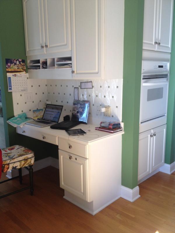 Image Computer/desk area