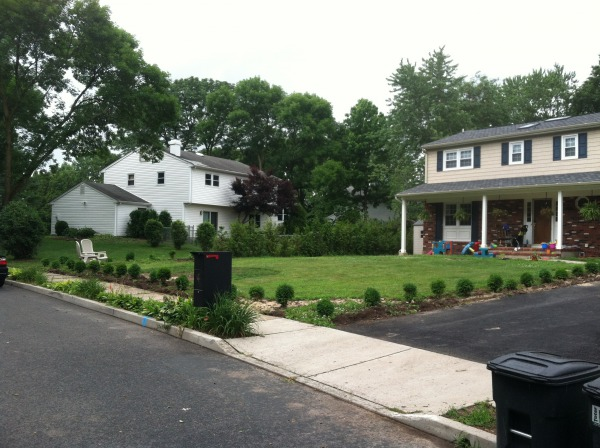 Image Front Yard Landscaping (0)