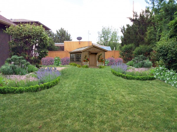 Image Backyard Landscaping w...