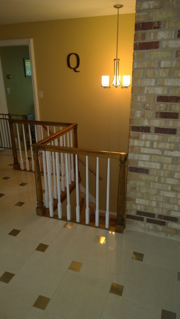 Image Foyer wall and stair r...