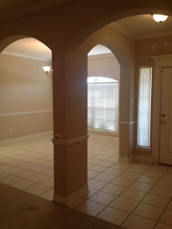 Image Living Room towards di...
