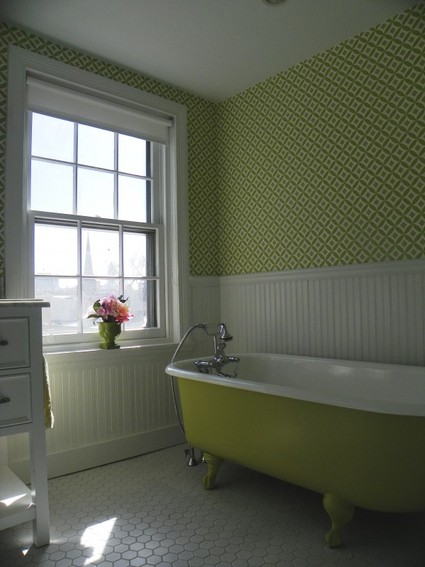 Image Girl's Green Bathroom (2)