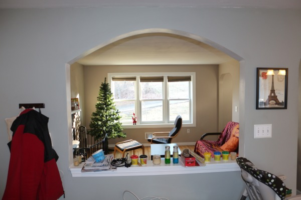 Image from kitchen to the li...