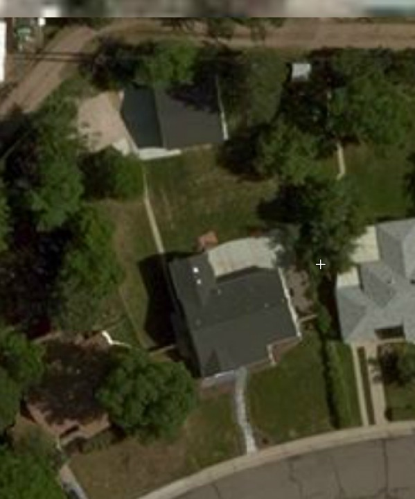 Image Satellite view of hous...