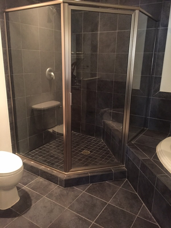 Image Photo of bathroom for ...