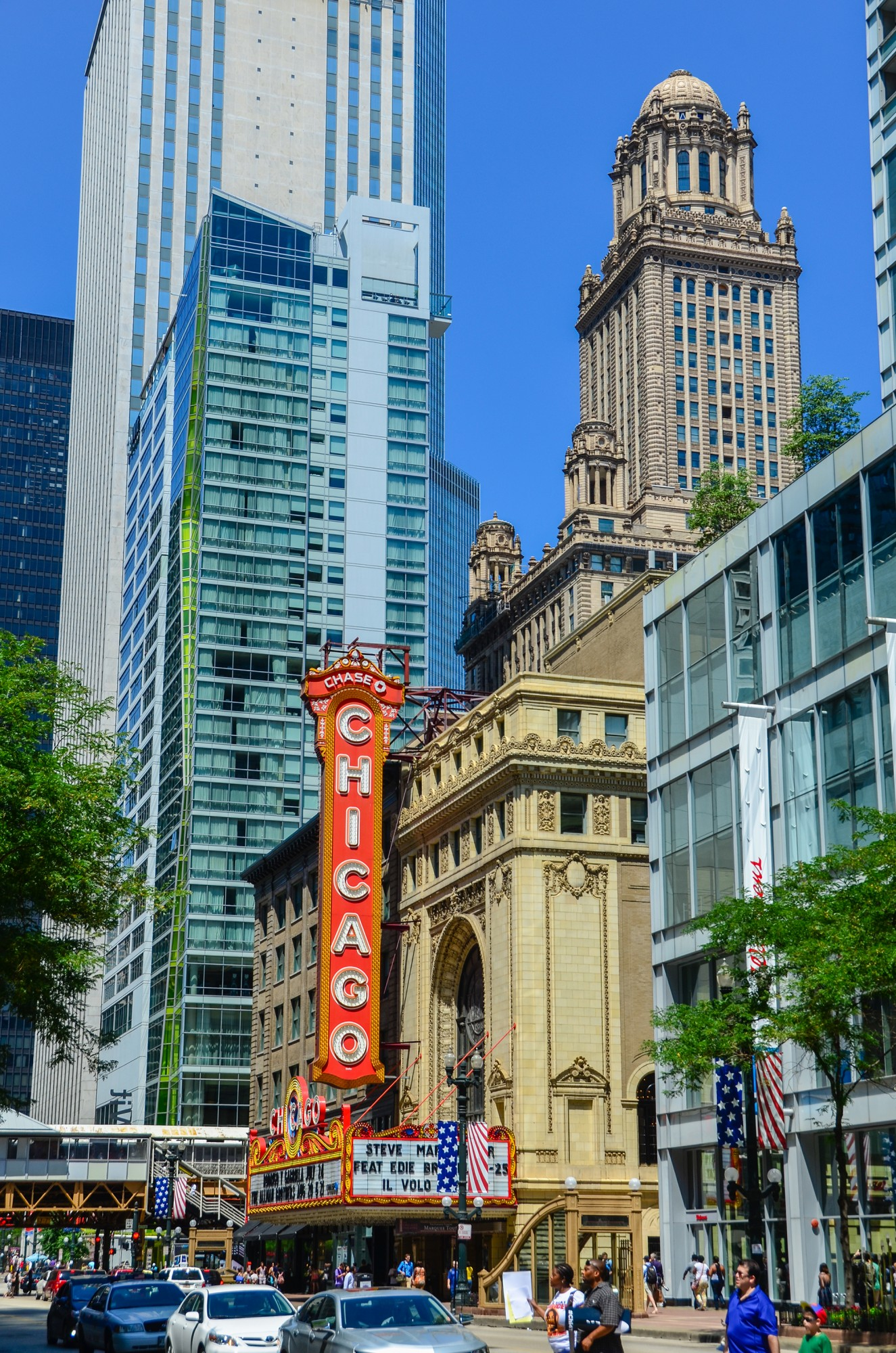 Chicago Theatre · Buildings of Chicago · Chicago ...