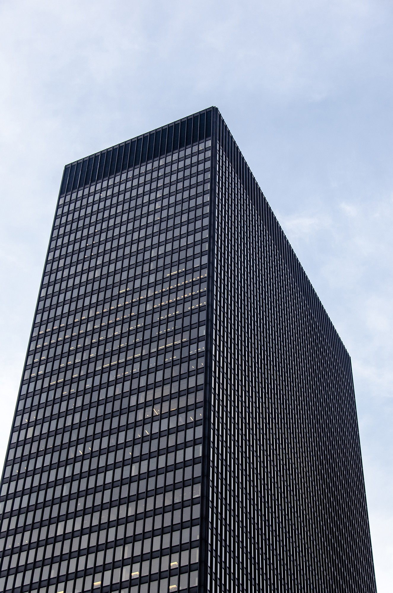 Chicago Mies Van Der Rohe Tour 330 north wabash / ama plaza (ibm plaza) · buildings of