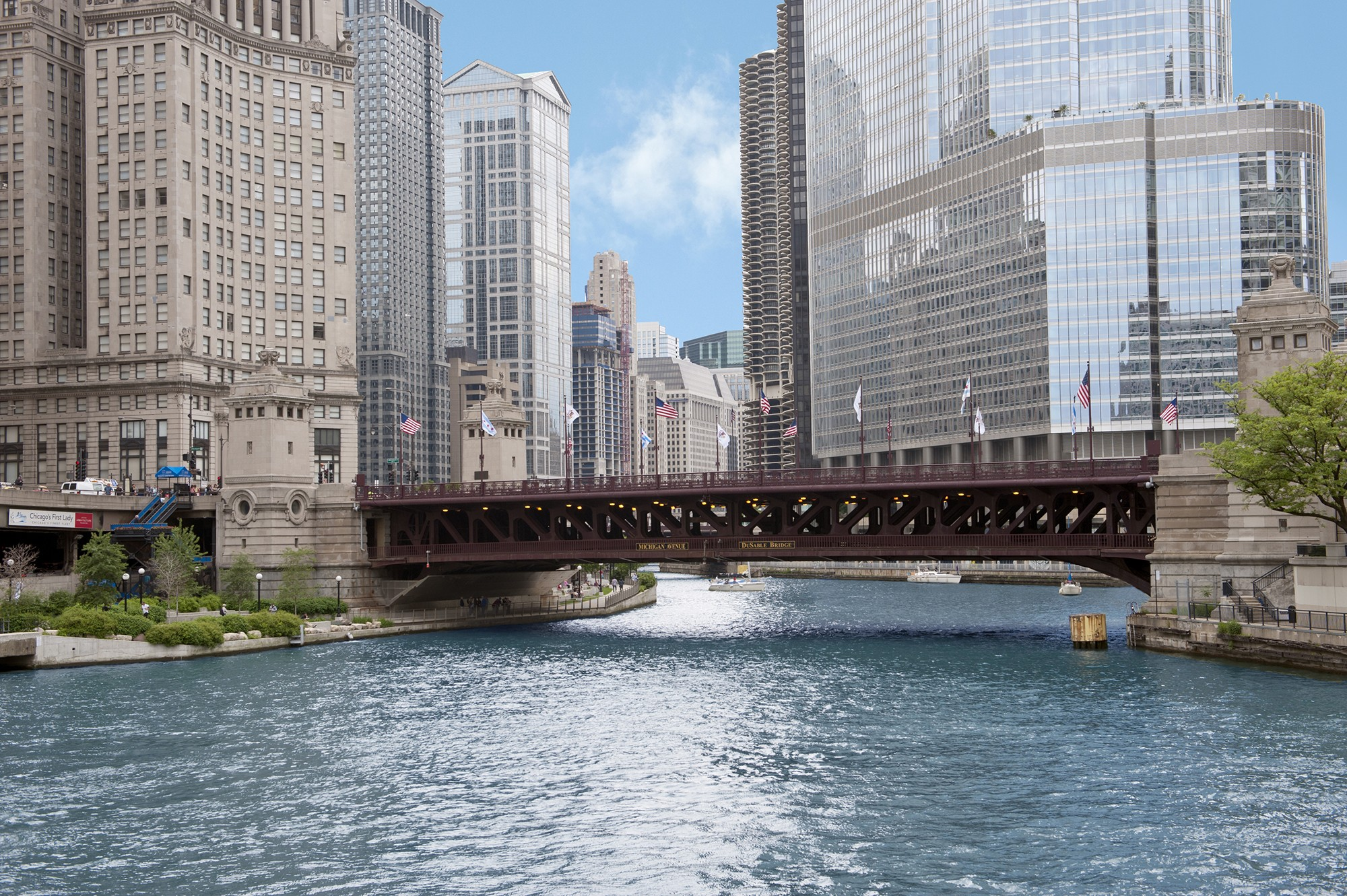 Michigan Avenue Bridge (DuSable Bridge) · Buildings of Chicago
