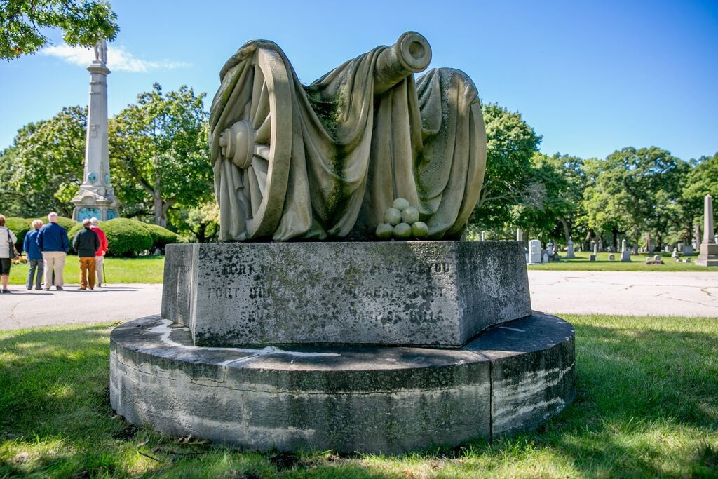 Rosehill Cemetery Chicago Tours