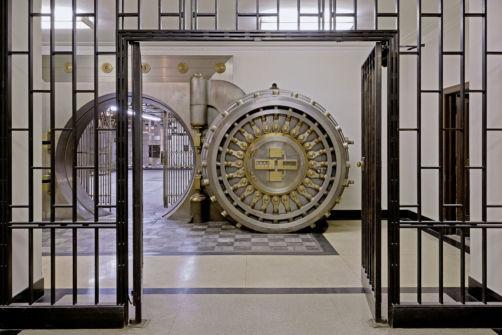 The chicago board of trade building sites open house for Building a home vault
