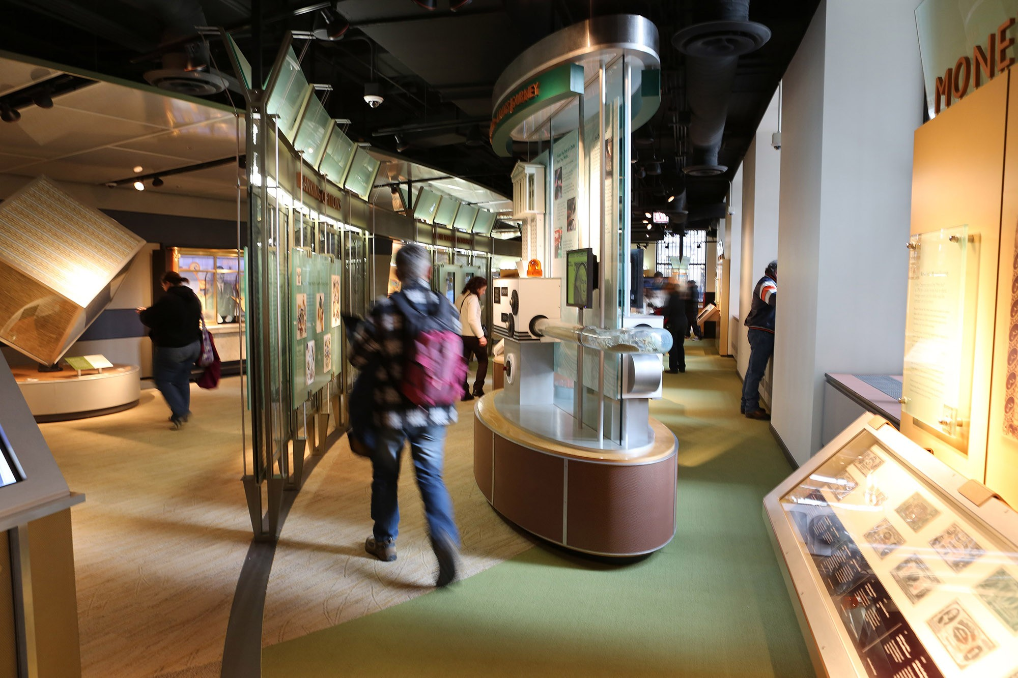 Federal Reserve Bank of Chicago and Money Museum · Sites