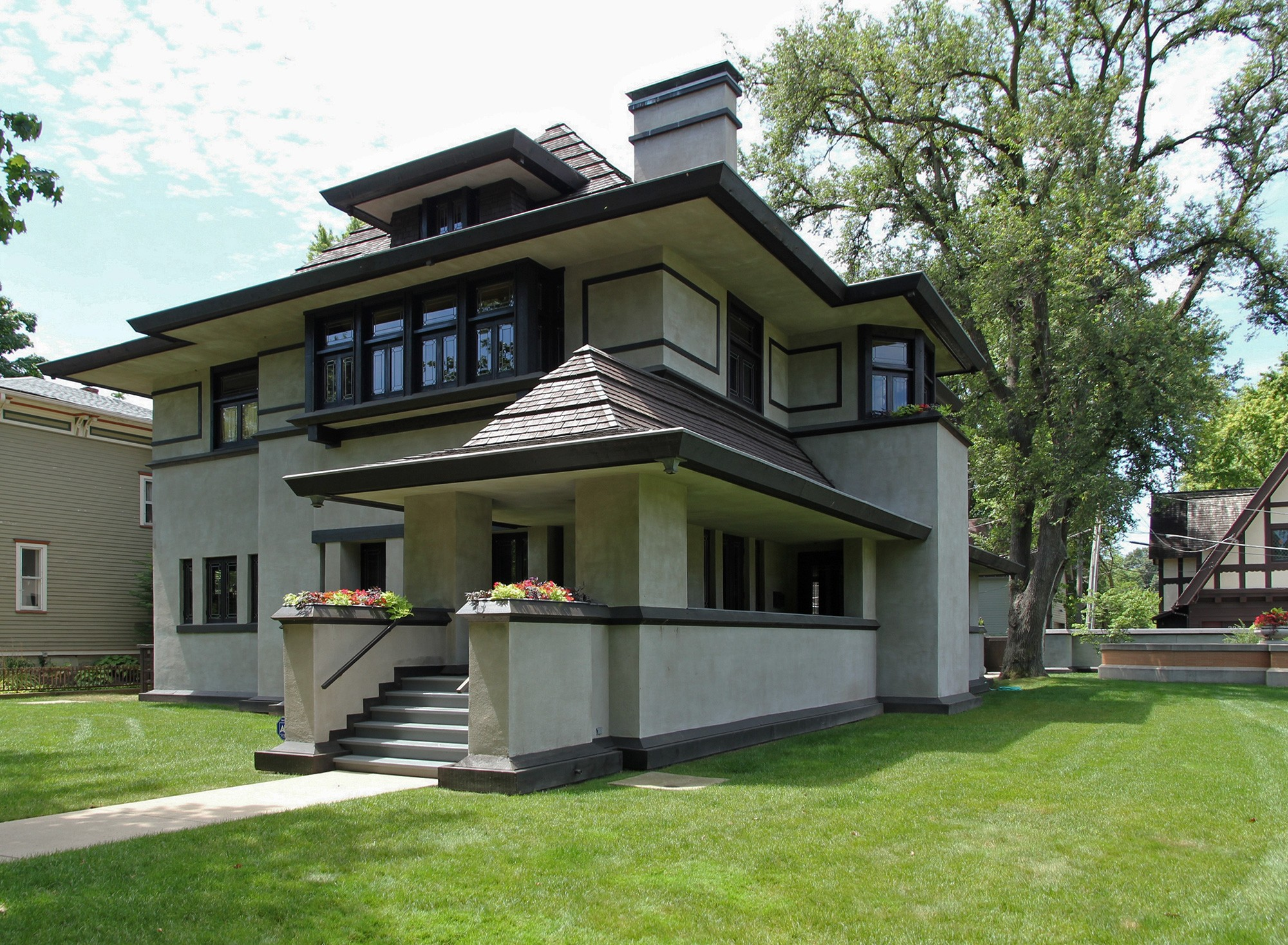 Frank lloyd wright neighborhoods by bus tours chicago for Frank lloyd wright house design