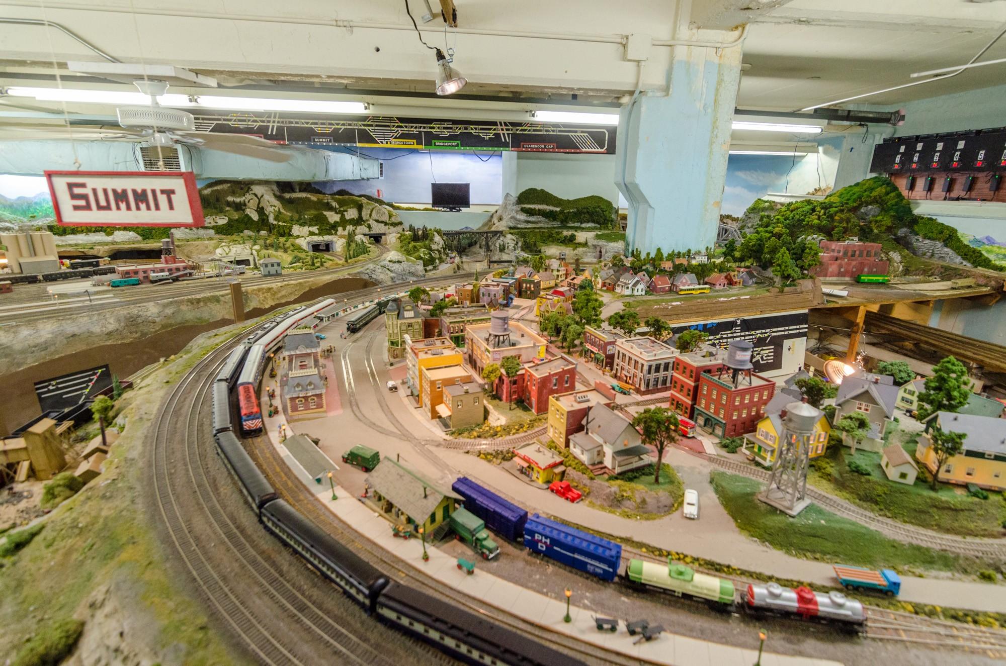 Garfield Clarendon Model Railroad Club Neighborhoods Open House Chicago