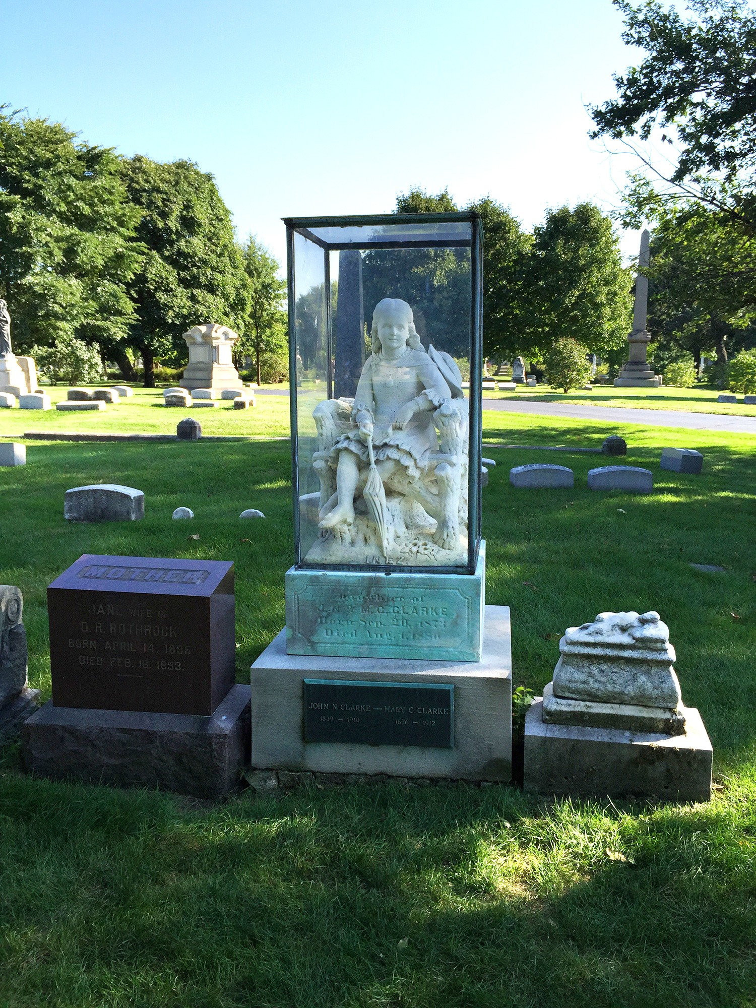 Graceland Cemetery: Women of Influence · Tours · Chicago ...