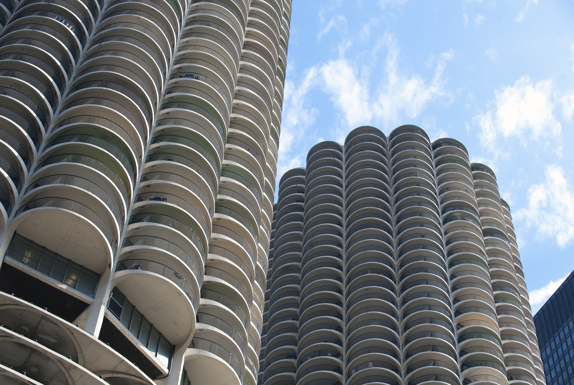 Chicago Mies Van Der Rohe Tour bertrand goldberg · architecture & design visual dictionary