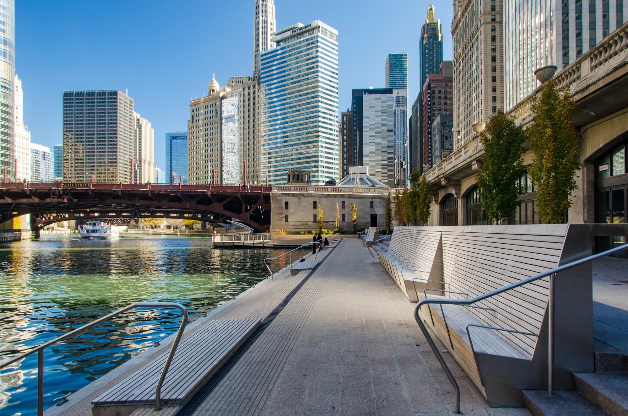 Garden Walk Mall: Riverwalk West · Tours · Chicago Architecture Center