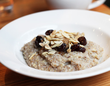 oatmeal with craisins and almonds