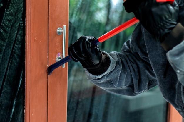 ¿Quién se hace cargo de los robos en condominios?