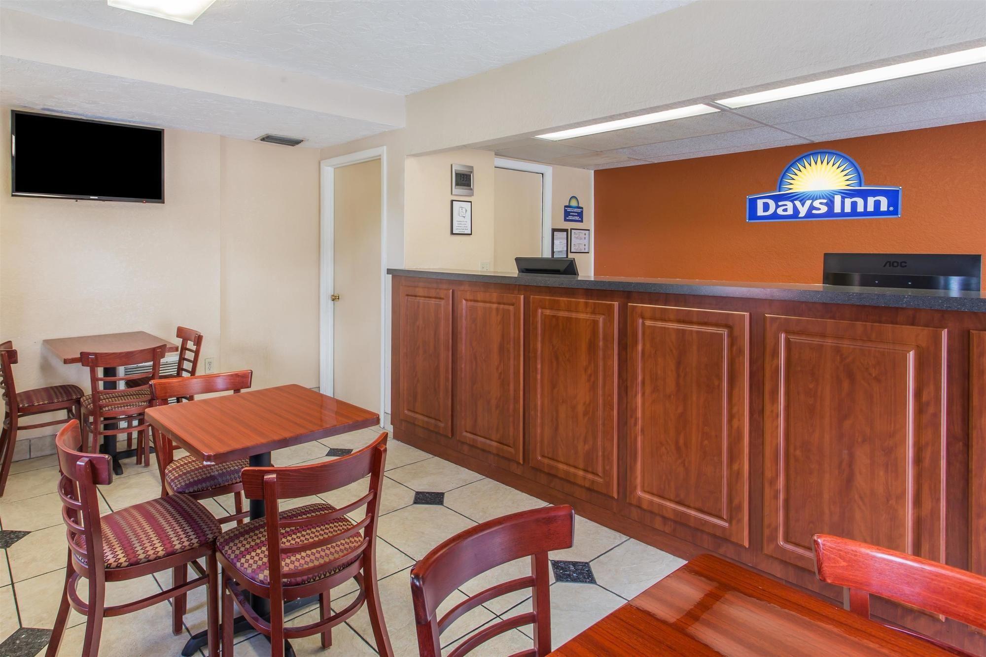 Days Inn Bradenton Interstate 75 in Bradenton, FL