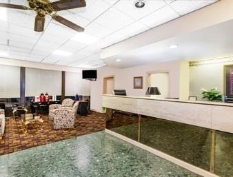 Days Inn Savannah - Abercorn Southside in Savannah, GA