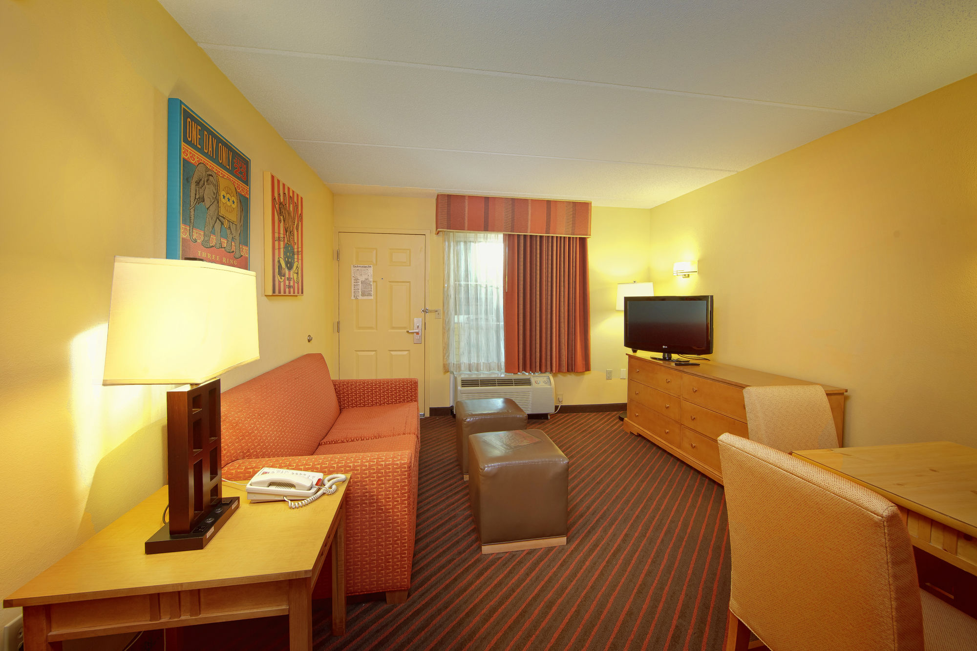 Econo Lodge Riverside in Pigeon Forge, TN