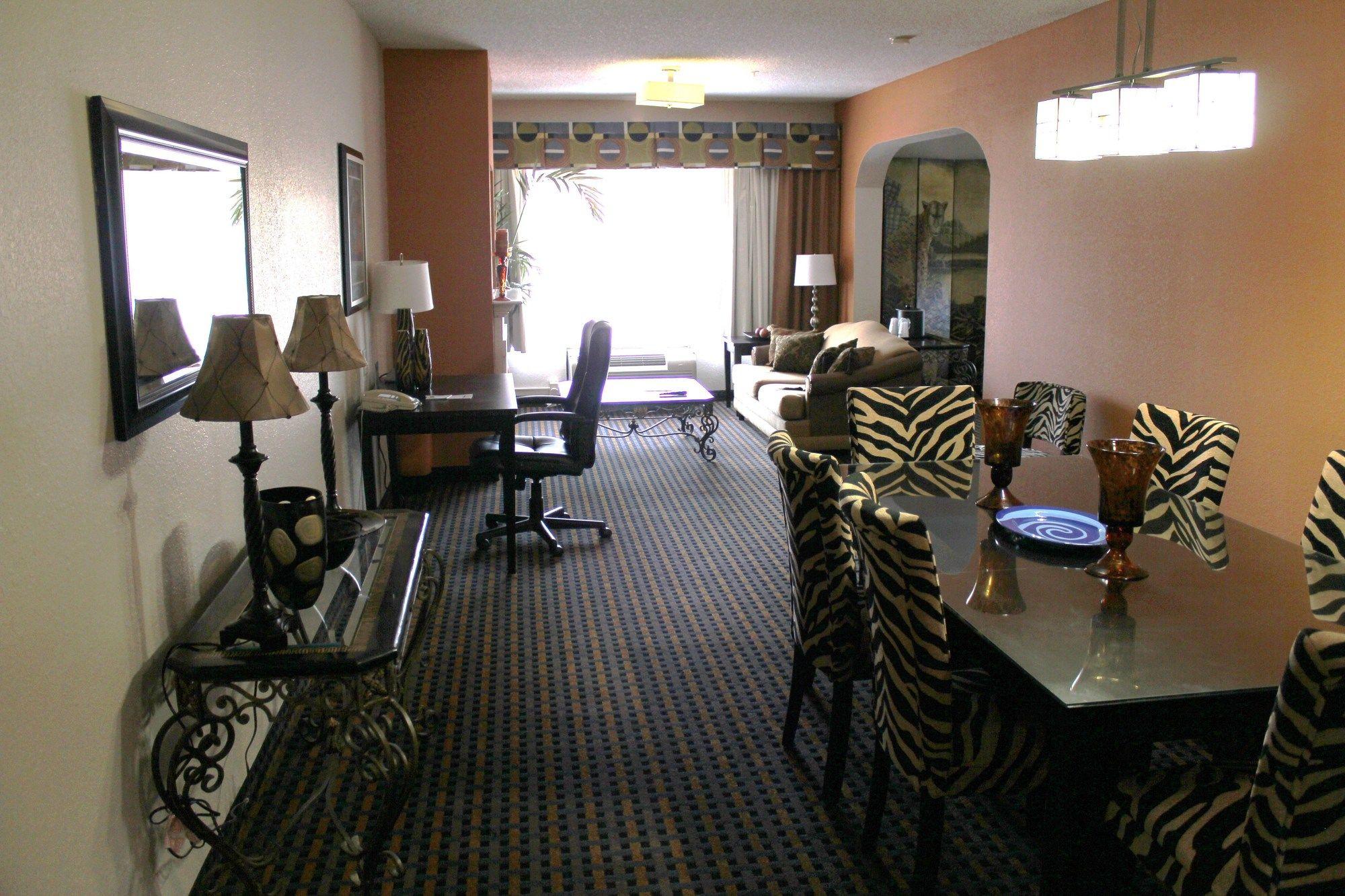 Holiday Inn Express & Suites Asheboro in Asheboro, NC